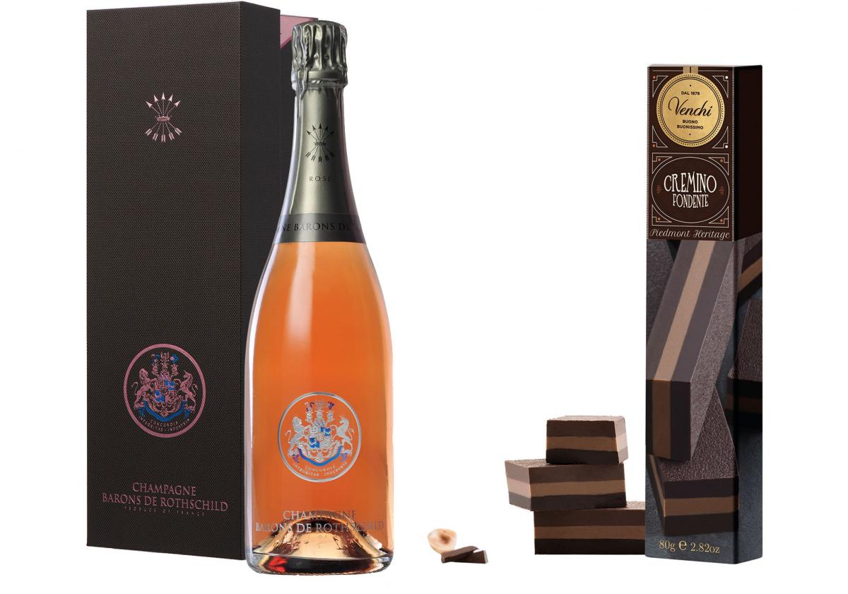 The best composed gift for beloved one for Easter celebration. Elite alcohol and exquisite sweets