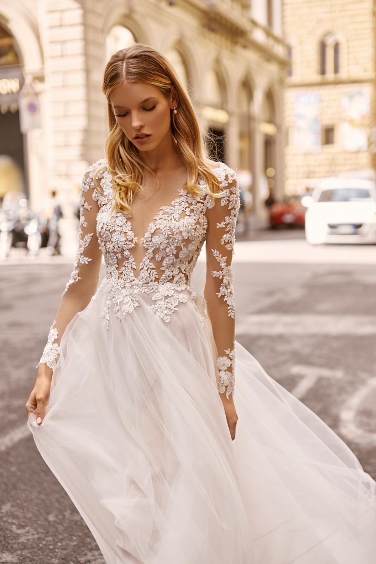 Impossible to look away from the delightfully crafted couturier wedding dresses Tom Sebastien