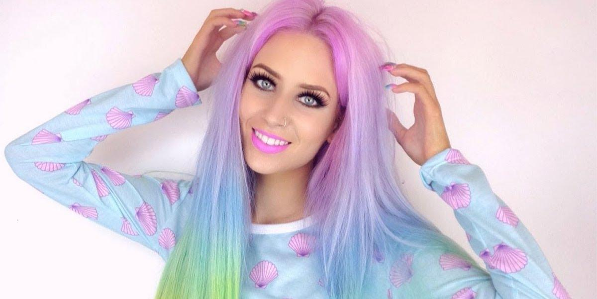 Juicy makeup and colourful hairstyles dictate new fashion trends