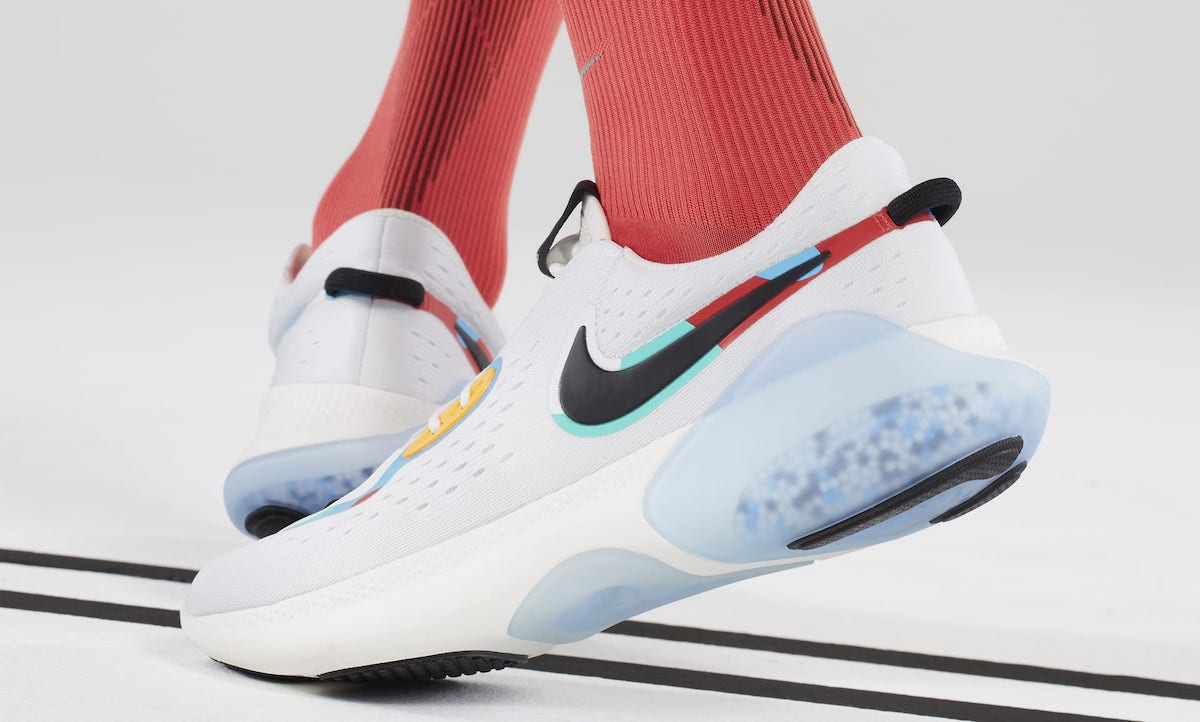 The latest collection of Nike running shoes in a detailed selection from the El-Style Magazine