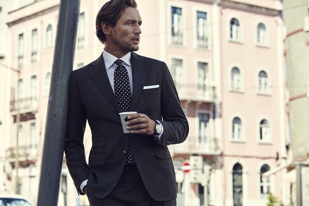 How do you imagine an ideal business attire?