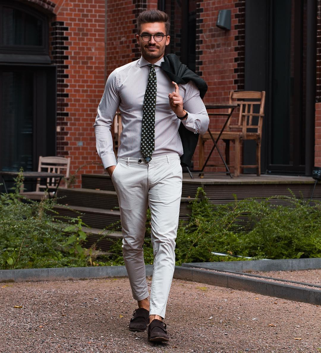 How do you imagine an ideal business attire?