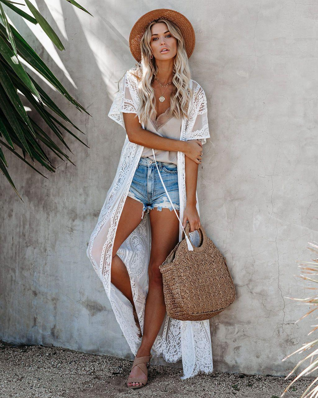 A collection of superb summer feminine looks for a great hot season vacation