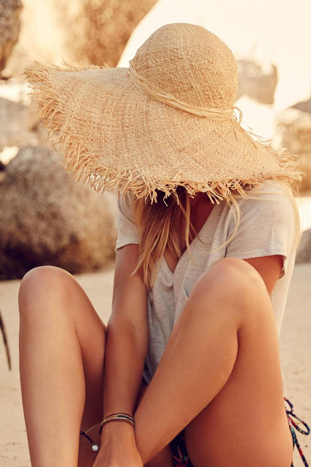 A hat in summer is an important accessory for a real fashionista. We look at the main trends of this season