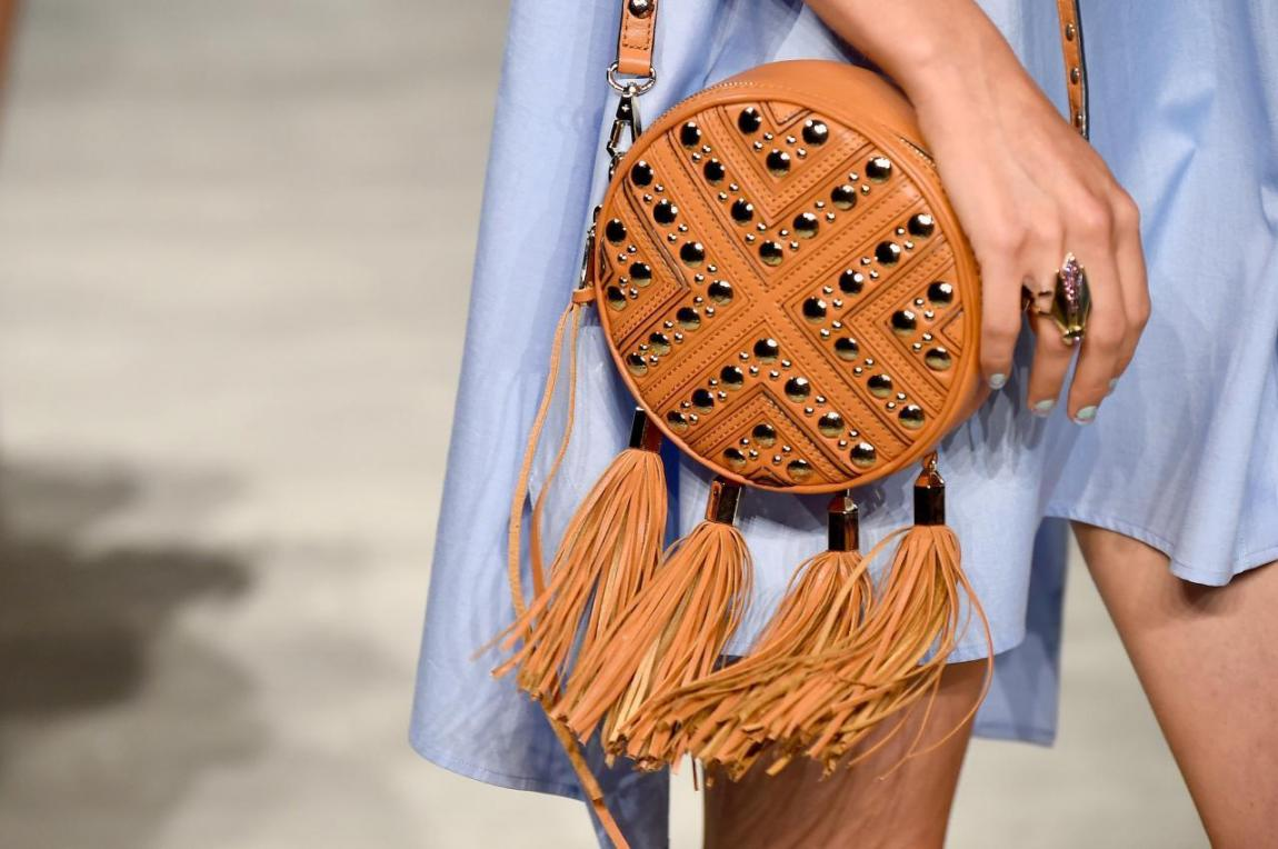Handbag trends. Choosing stylish accessory.