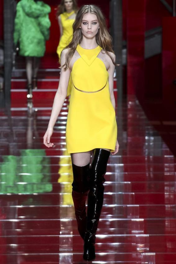 Versace collection overview. Milan Fashion Week