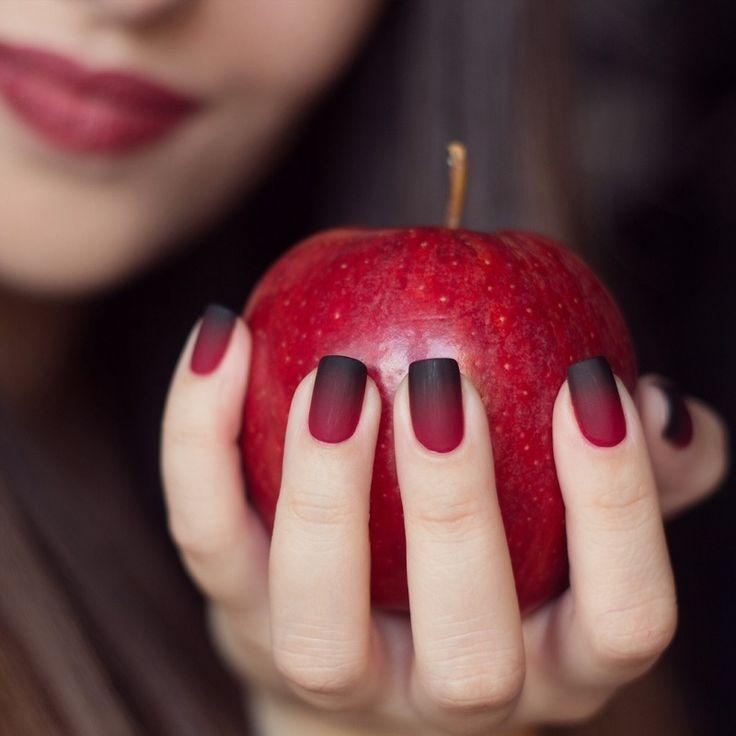 Fresh tendencies of a woman's manicure for coming season