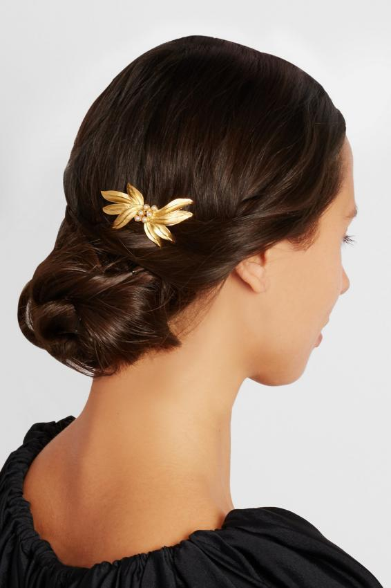 Dolce&Gabbana. Incredible hair accessories