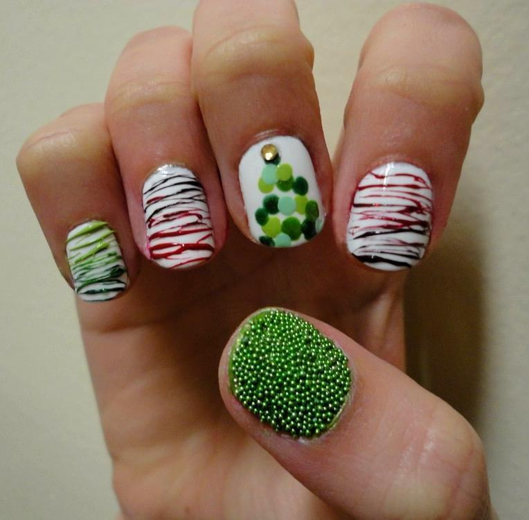 Surprising friends. Unique Christmas and New Year manicure.