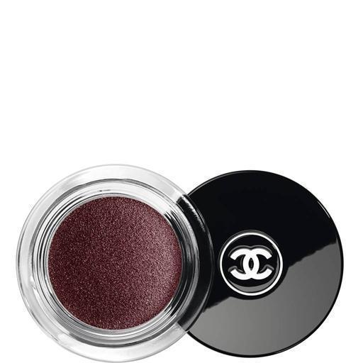 Vamp the shade that became an icon. Christmas with Chanel