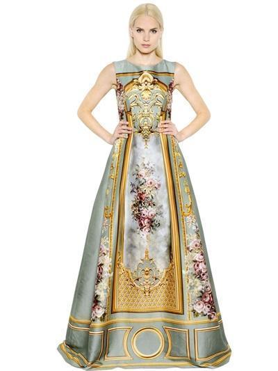 Choosing couture luxury dress for special occasion