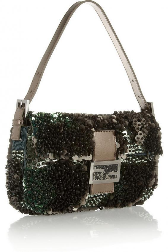 Handbags is always not enough. The latest from the catwalks