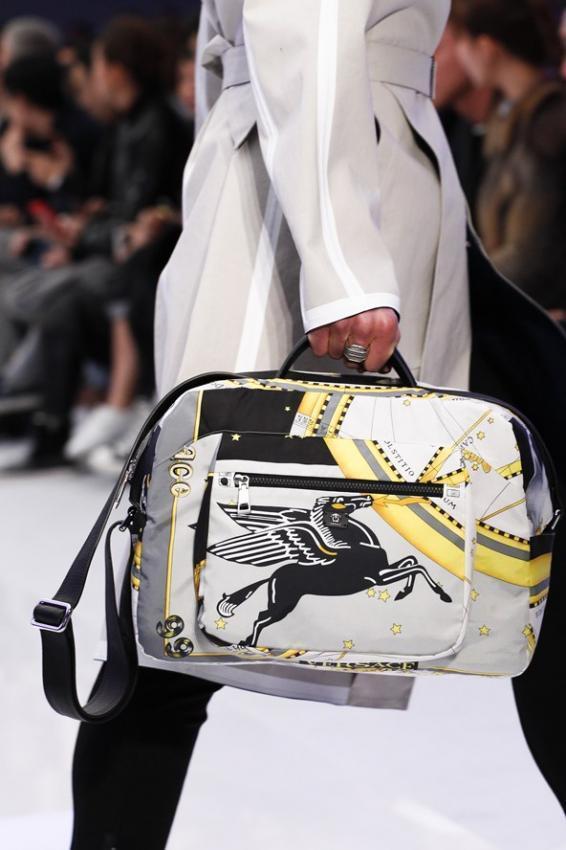 Should All Men Wear Handbags? Fall Winter 2016-2017
