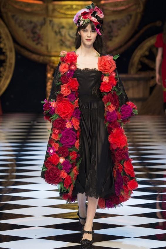 DOLCE&GABBANA  Fall/Winter 2016-17 Fashion Show Fabulous Fantasy
