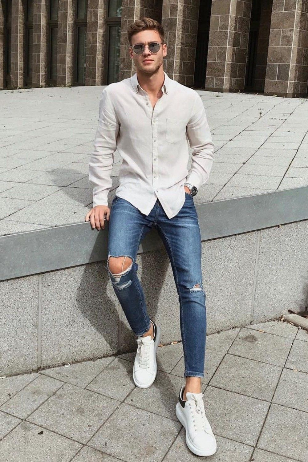 Ripped jeans are quite suitable for casual style