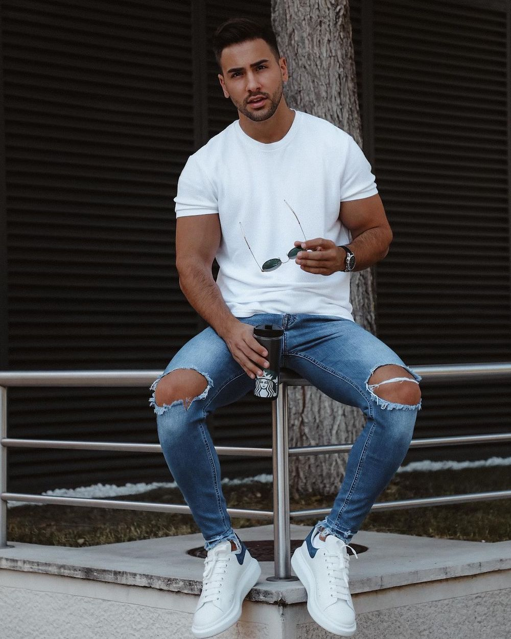 Simple and flawless - white shirt and blue ripped jeans