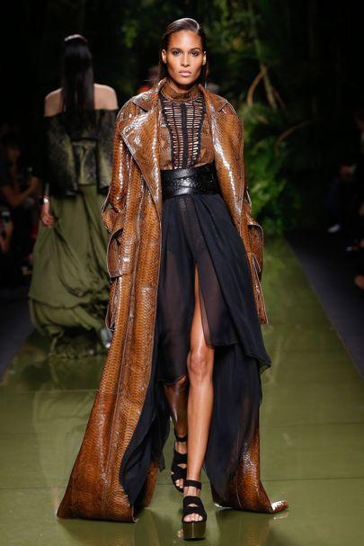 Ready-To-Wear Collections 2017 Versace, Balmain, Nina Ricci