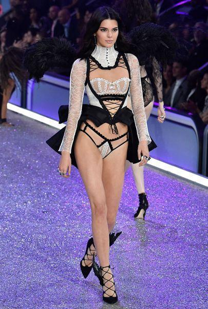 Victoria's Secret Fashion Show Paris 2016