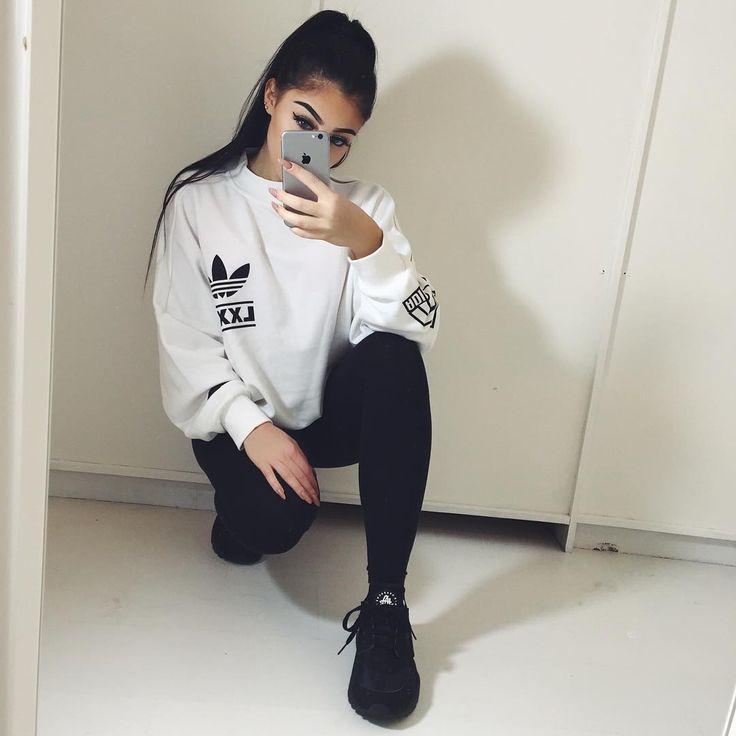 Add sportswear in your wardrobe