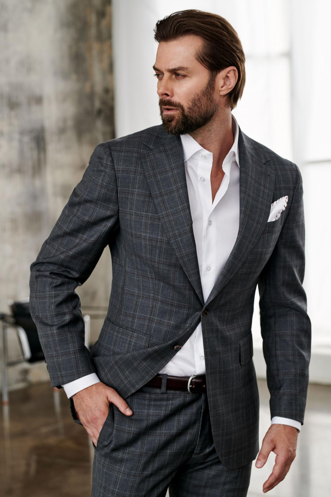 Squared grey men's suit with white shirt for every day style