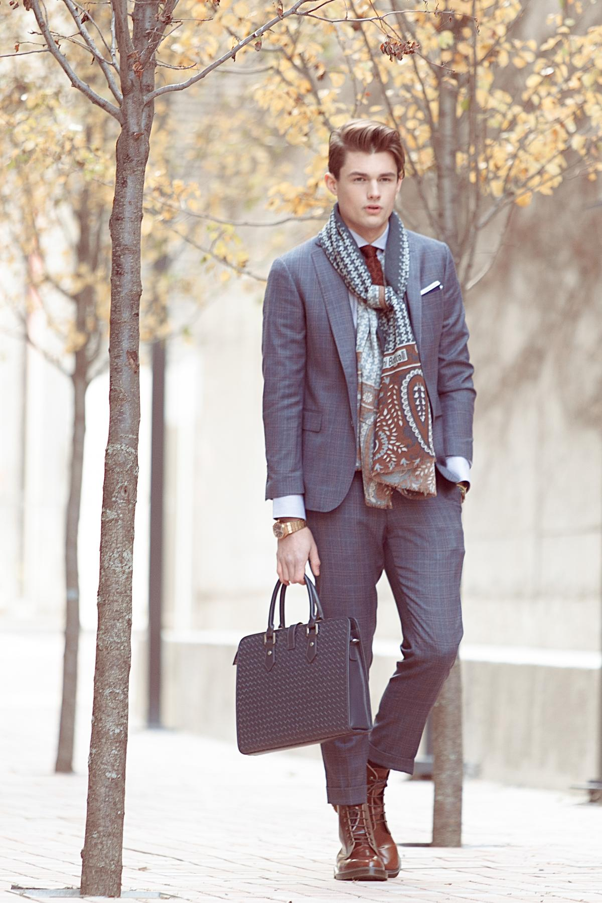 Autumn or even winter look. Grey suit with printed scarf. Very stylish outfit