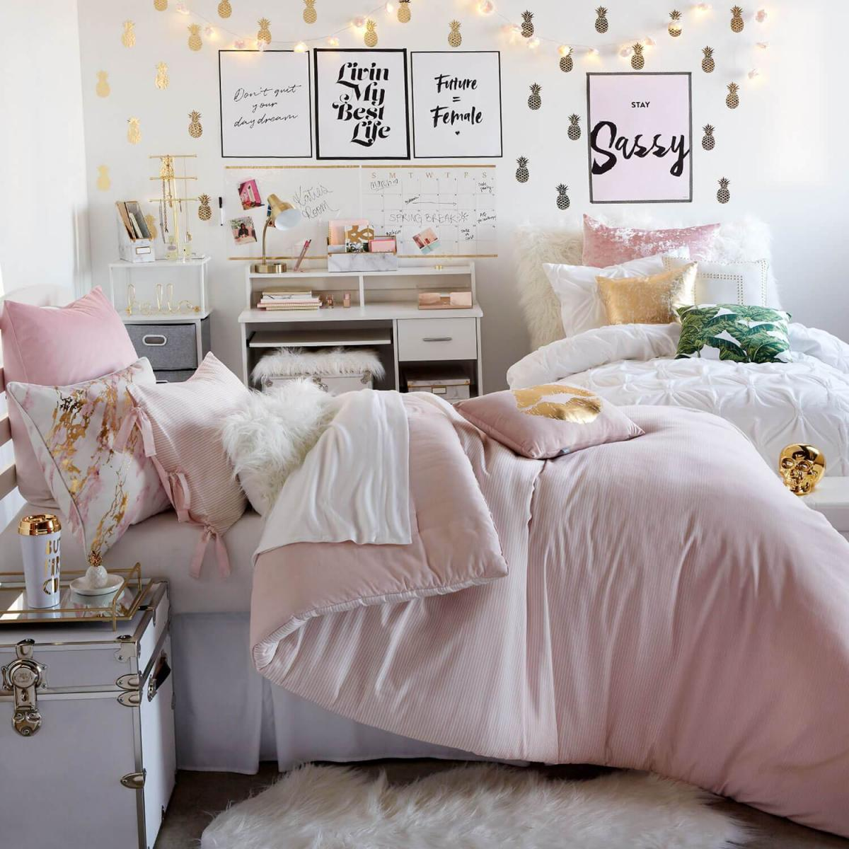 The most cozy bedroom decorated especially for winter holidays