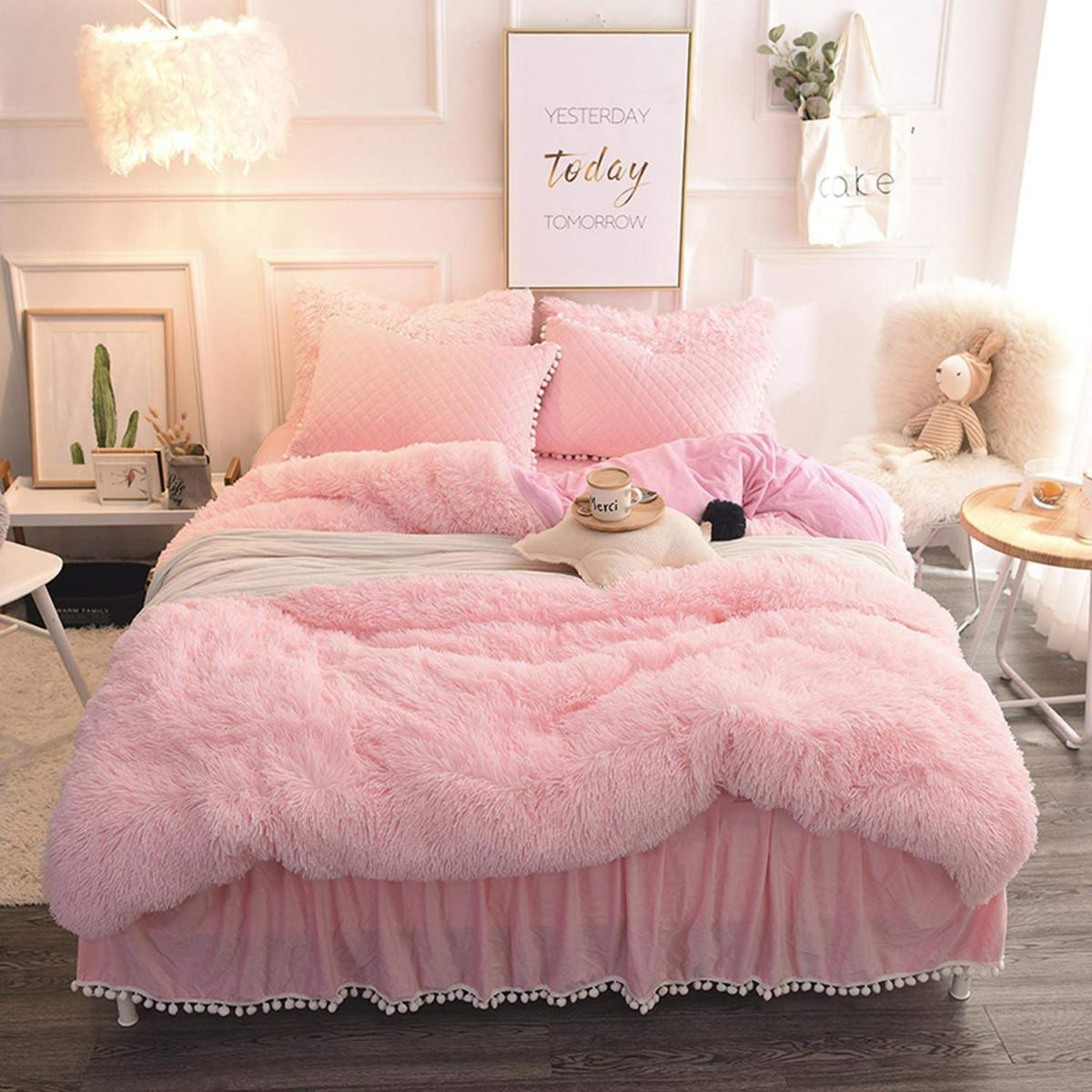 Cozy pink bedroom for chick girl who loves fur and fluffy