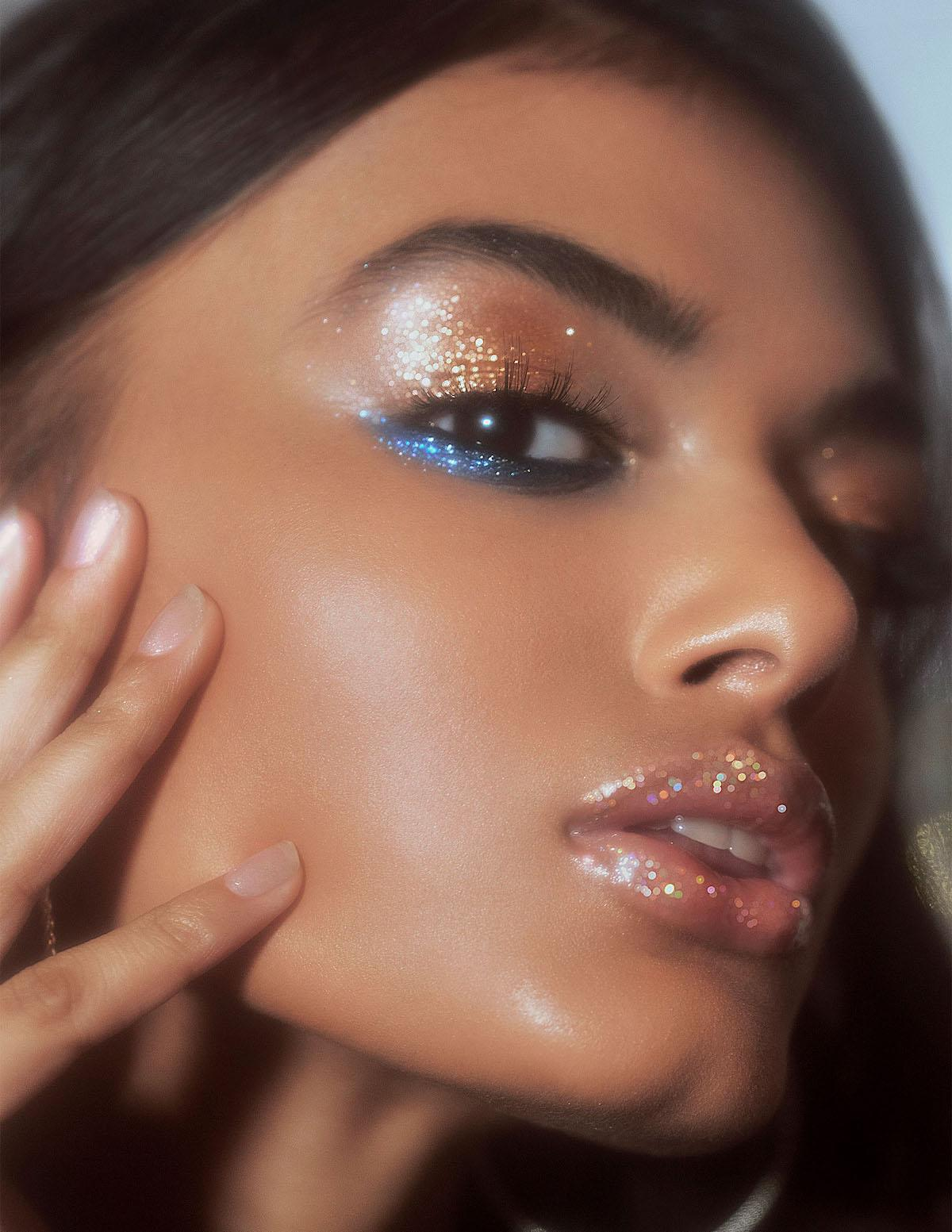Shining makeup in gold and blue shades. Ideal for youth.