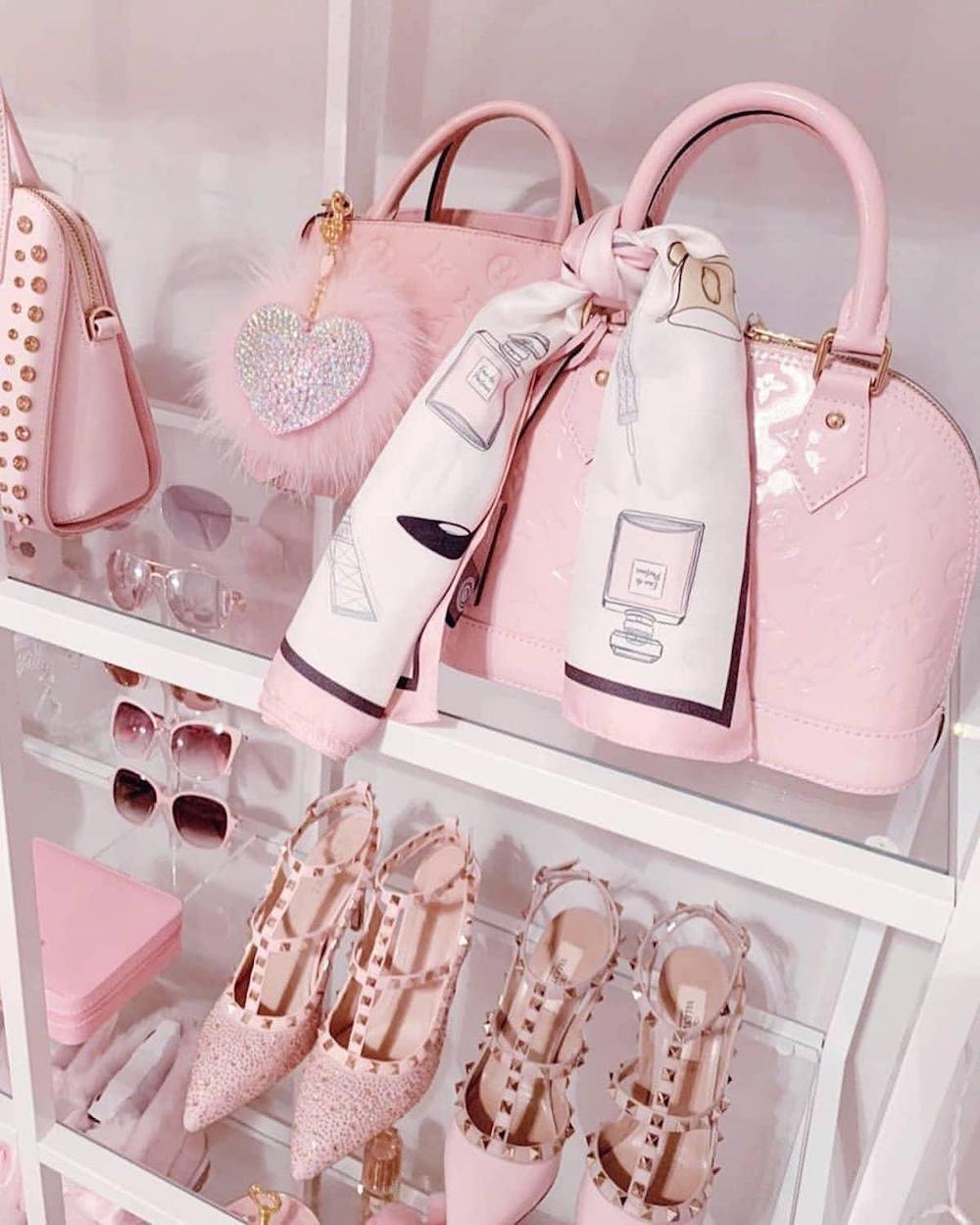 Cute pink handbag on Valentine's Day is definitely what she wants