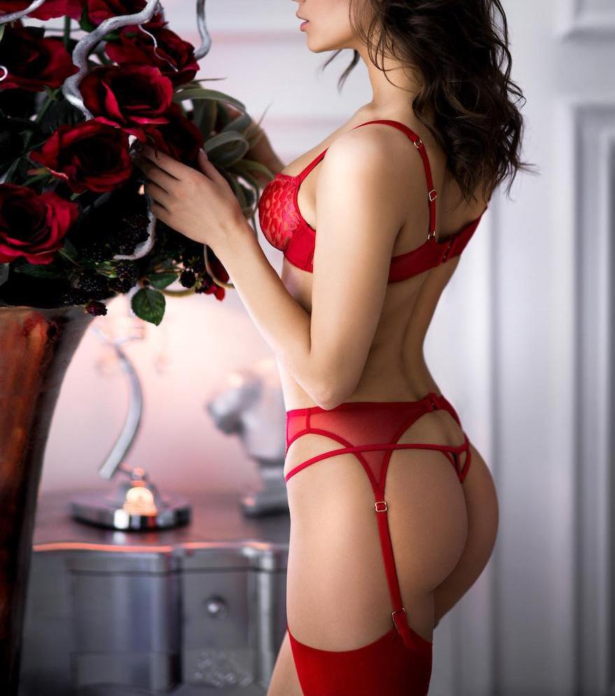 Red underwear is the best gift for any woman on Valentine's Day