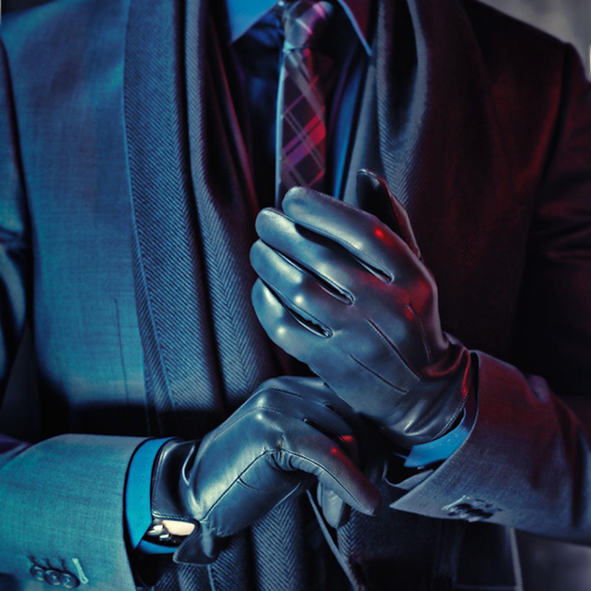 Perfect combinations of strict color shades and prints for a business and casual style