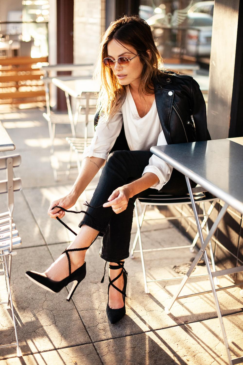 Elegant look in black and white classic colors for spring-summer season