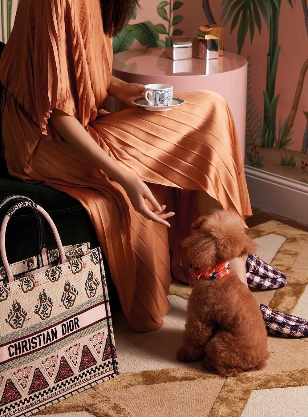 The geometric ornament makes this Christian Dior handbag incredibly beautiful