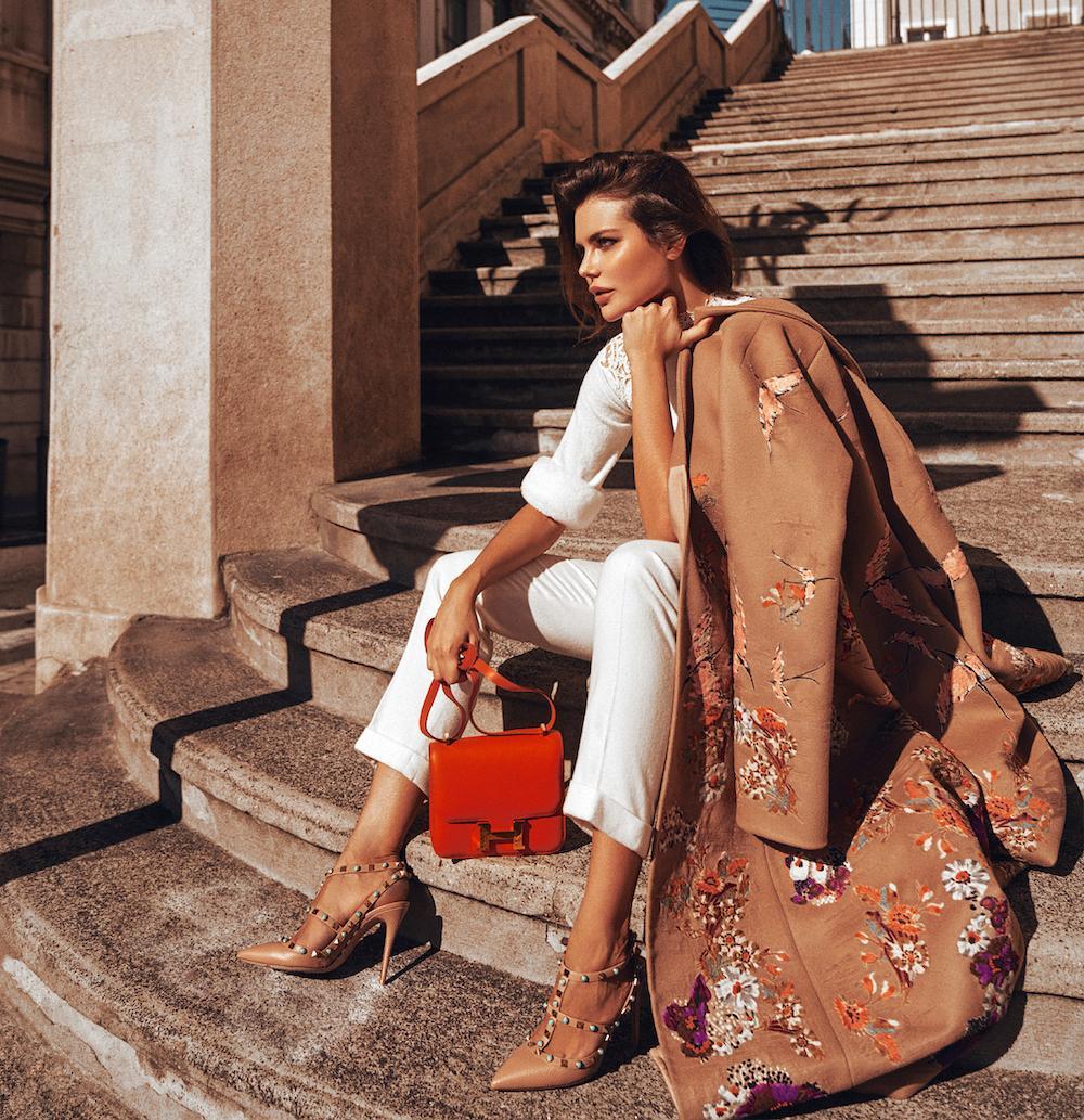 Stylish look for elegant and modern fashionista for spring-summer season