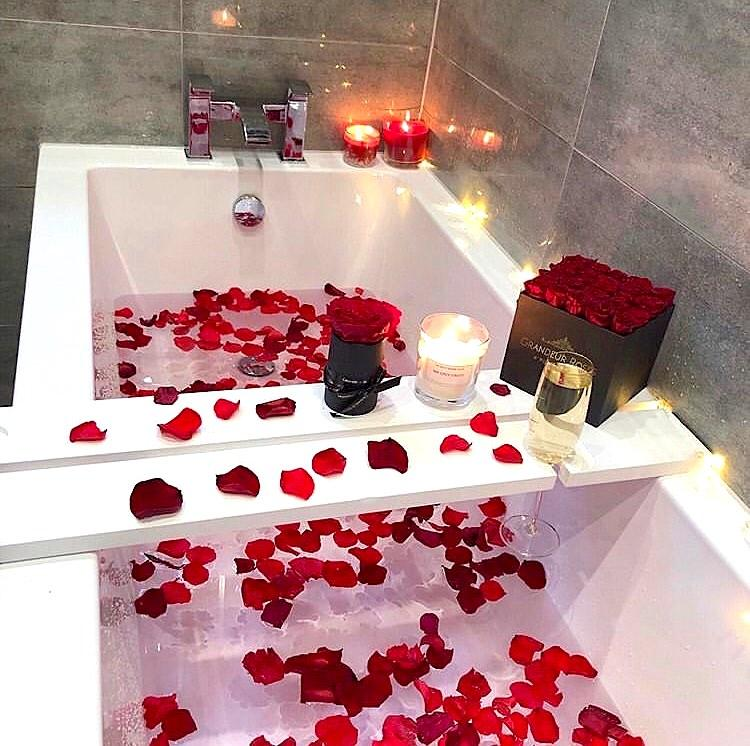 Bathing together is the best way to end Valentine's Day