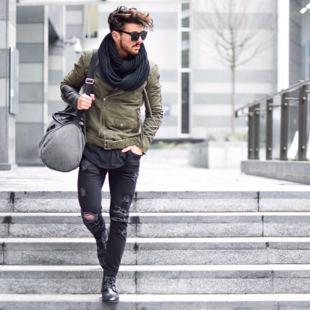 Khaki style for a trendy look
