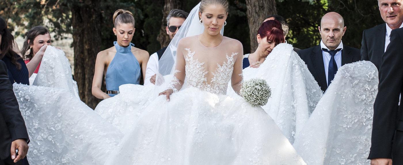 неймовірне весілля. розкішні наряди та блиск мільйонів кристалів.