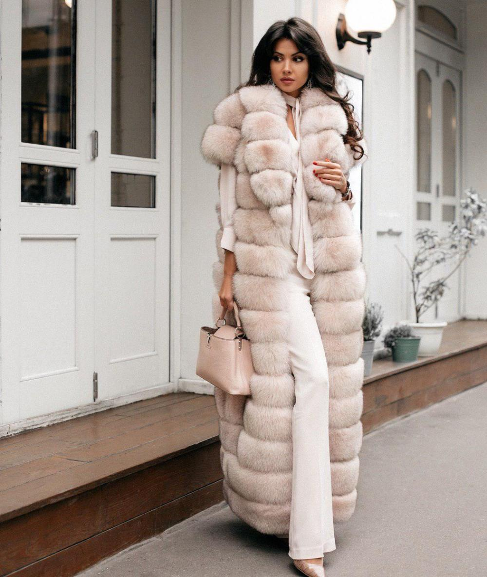 Gorgeous sleeveless faux fur cape to impress others