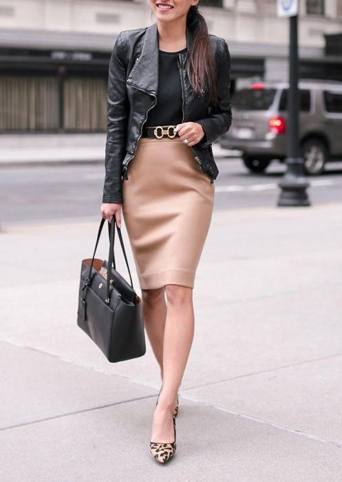 Business casual look in perfect black and beige colors
